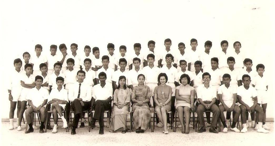 Form 2 F Puan Sri Bainun 1964